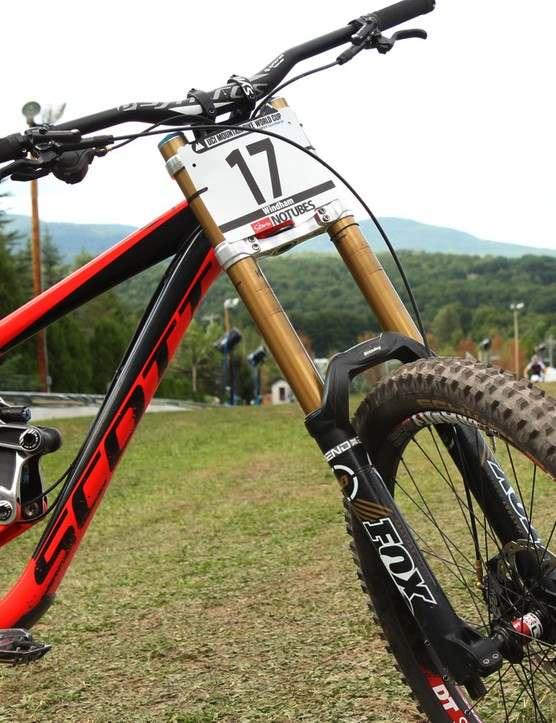 A burly Fox 40 Float is used up front, again with a factory tune that makes it remarkably supple. Team mechanic Ben Vergnaud says that partly because of Fairclough's preference for flat pedals – he likes the front suspension to be markedly softer than the rear