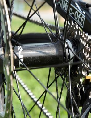 Flange spacing on the Shimano Saint rear hub is ultra wide to improve wheel strength