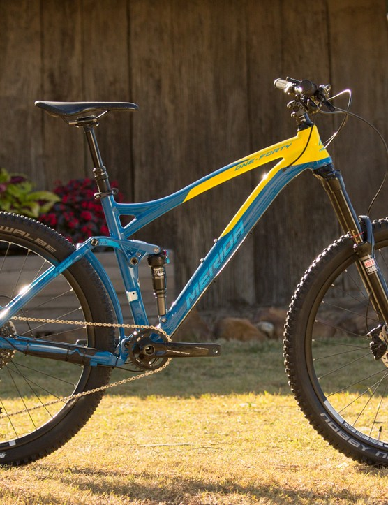 The Merida One-Forty 7.900 (US$TBC / AU$4,599 / UK£TBC) features a RockShox Pike RCT3 front fork, Fox Float CTD rear shock, SRAM X01 drivetrain, Shimano XT brakes and a proven DT Swiss wheelset