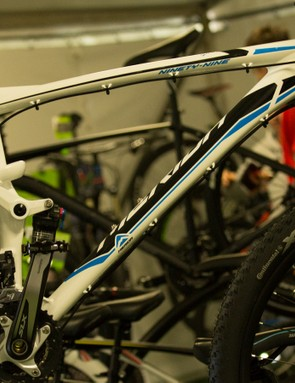 Sharing the same frame as the 2014 version, the 2015 Merida Ninety-Nine 9.800 offers many of the features of its World Cup-proven older sibling in a more price conscious package