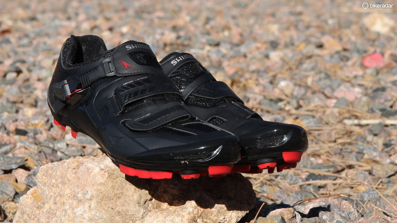The Shimano SH-XC70 shoes lack the heat moldable uppers of the top-end XC90 model but, provided your feet are fairly typically shaped, these should work well