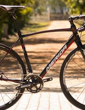 The Merida Cyclo Cross 700 (AU$2,199 / UK£TBC) packs Shimano's 11-speed mechanical Ultegra into a bargain package