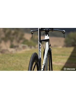 Merida's NACA Fastback aero profiles feature on this frame. This design is borrowed from the brand's TT bike, claimed to be the fastest in the world from a 0 degree (straight on) wind angle