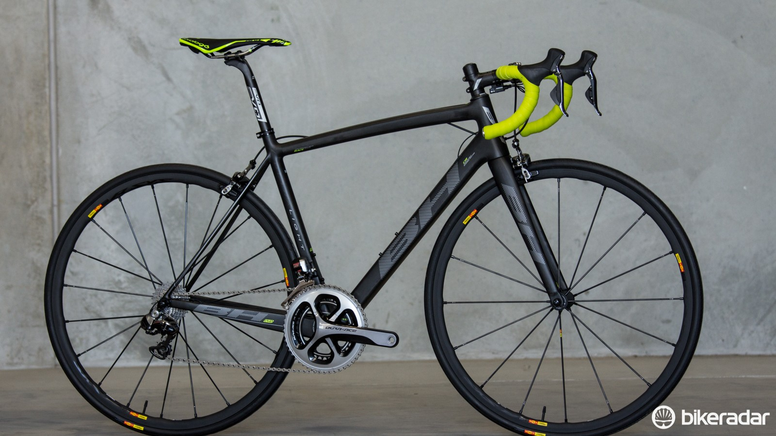 The 2015 BH Ultralight Evo takes the previously succesful Ultralight platform and refines it further. Pictured is the Australian-spec BH Ultralight Evo Dura-Ace Di2 11-speed (US$TBC / AU$9,799 / £TBC)