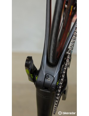 The Ultralight Evo has near-straight lines from the down tube, through the bottom bracket and back along the chainstays