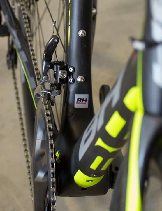 Even the Quartz features the enormously large BB386EVO bottom bracket junction, but unlike the Ultralight, the down tube doesn't make full use of the wide real-estate
