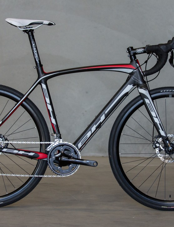 The RX Team cyclocross range doesn't get any frame changes for 2015 (beyond a seat post that accepts an internal Di2 battery). Pictured is the Australian-spec RX Team 105 (US$TBC / AU$2,899 / £TBC)