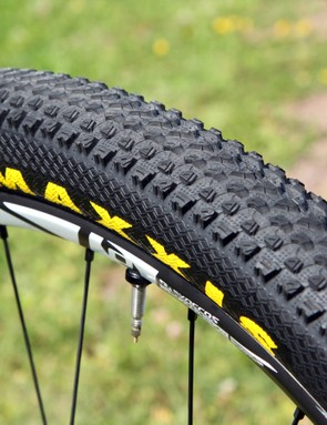 The new Maxxis Pace tyre uses a densely packed array of very small ramped knobs for a fast roll