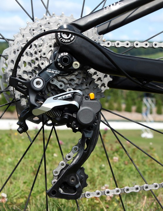 Kofman's bike is fitted with the direct mount version of Shimano's clutch-equipped XTR Shadow Plus rear derailleur