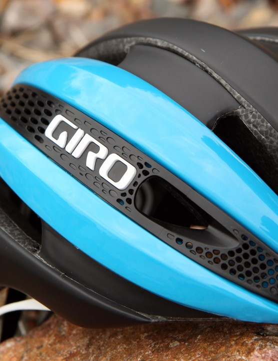 Among the aero tricks used on the Giro Synthe are these 'Aero Mesh' side panels, which still allow air to flow freely but apparently without disrupting the overall flow
