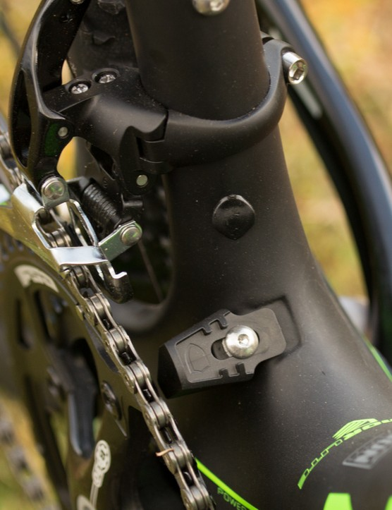 An integrated chain catcher is featured on the Threshold frame, we like how simple this design is