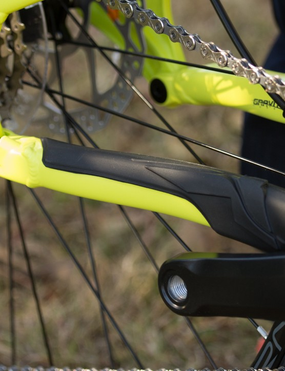 Just like the carbon version, the alloy Sight gets an integrated rubber chainstay protector