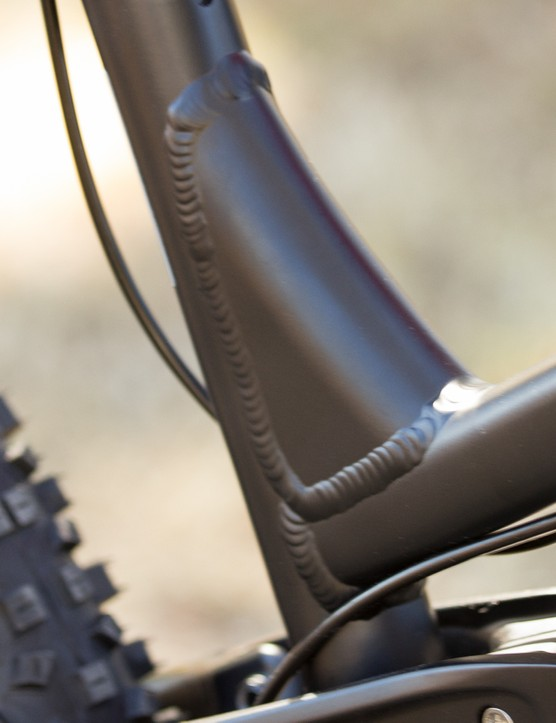 A new seat tube gusset allows for greatly increased standover height on the alloy models