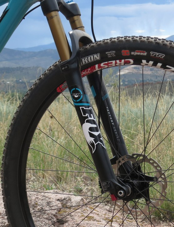 Upfront, the ASRc comes with a 120mm Fox fork