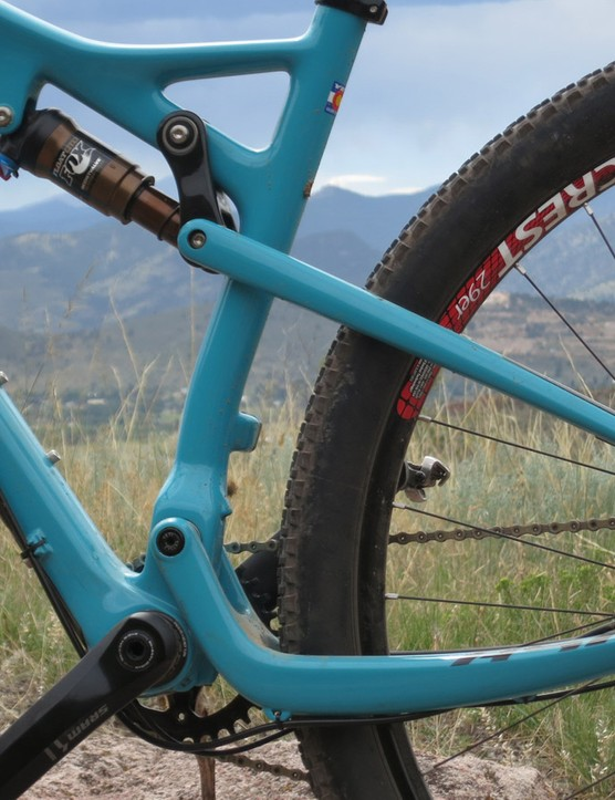 Yeti opted to use a single-pivot design for its new cross-country full model to keep the weight as low as possible