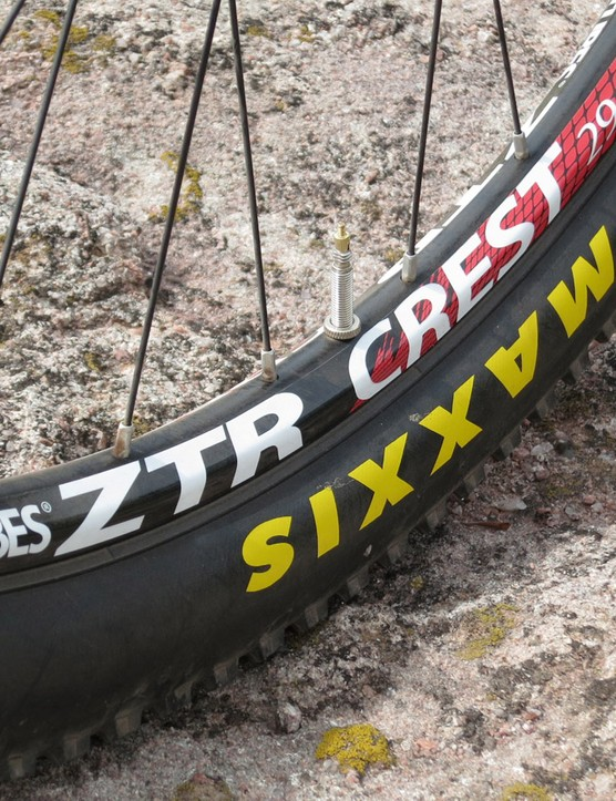 NoTubes Crest wheels further the weight savings
