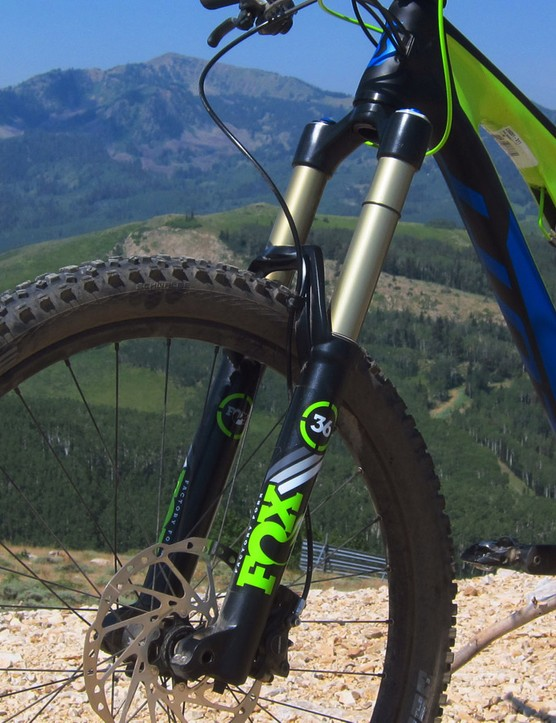 The biggest change from the previous version is the inclusion of Fox's new 36 Float fork in place of last year's 34. Despite being substantially stiffer and more precise-handling, Scott says the change has actually yielded a drop in total bike weight
