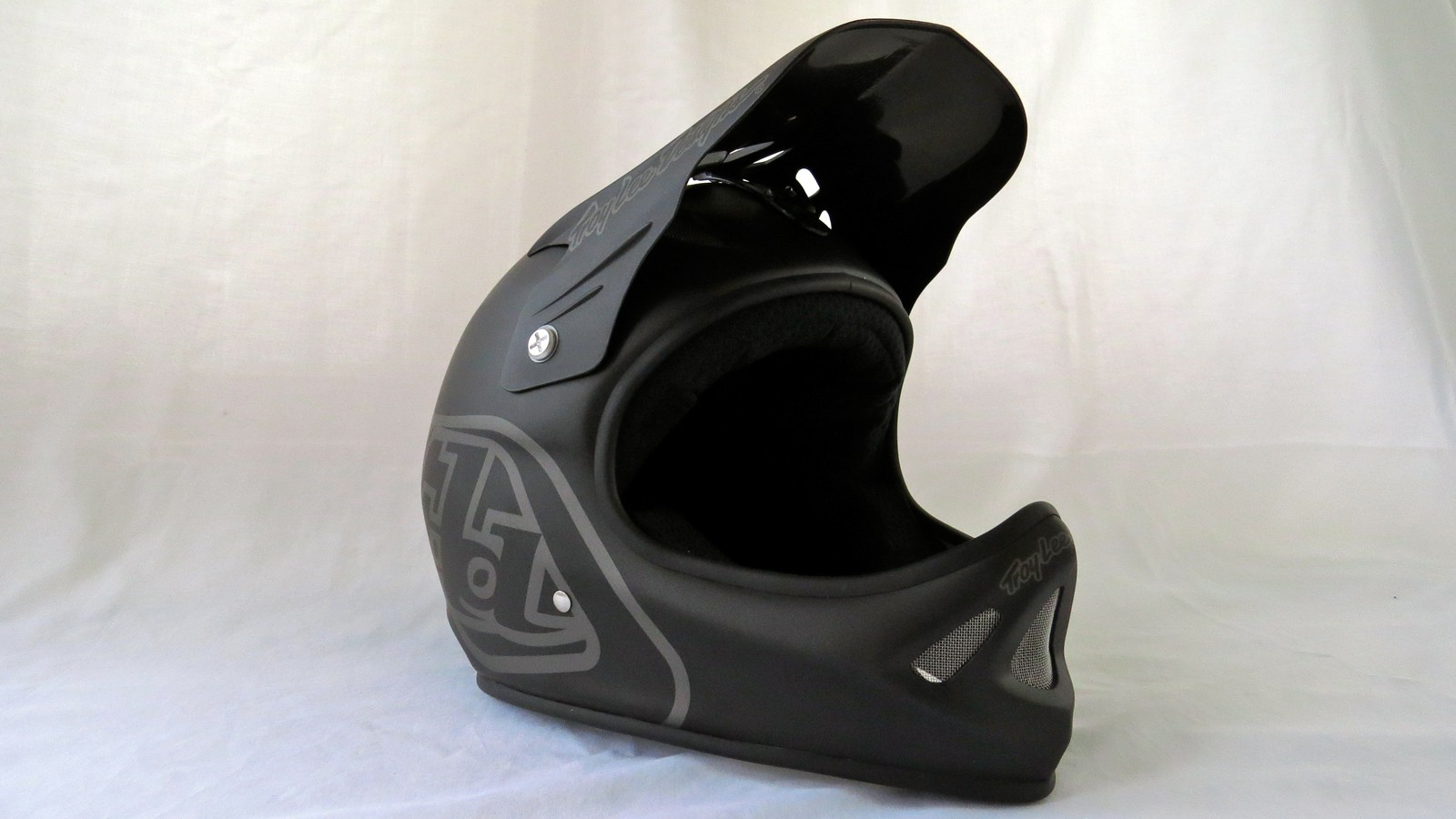 Troy Lee Designs D2 Midnight Matte Black helmet