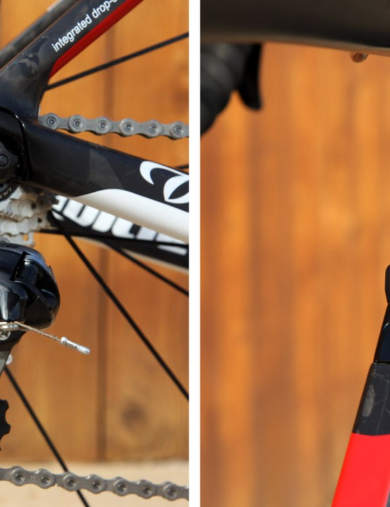 The internal cable routing setup is convertible between mechanical and electronic drivetrains
