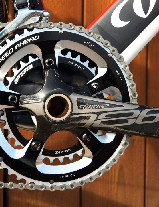 Likewise, we would have rather seen mid-compact 52/36-tooth chainrings here instead of the included compact 50/34-tooth ones