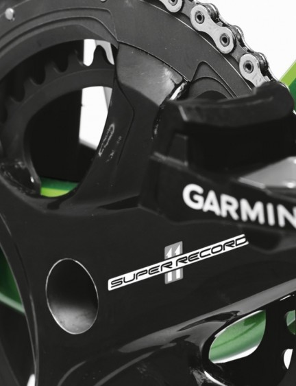 The new Campagnolo Super Record four-bolt chainset is complemented by Garmin Vector pedals