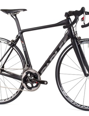 The new Altum replaces the Z5SLi, though it uses rounded tubing for the downtube its top tube design and rear stays borrow heavily from the ESX aero machine