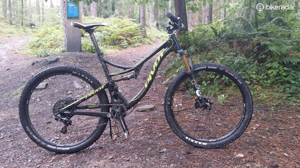 Pivot's new XC race / fast-trail machine, the Mach 4 Carbon