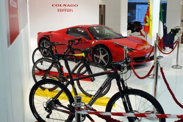 Colnago's renewed collaboration with Ferrari has predictably good looking results