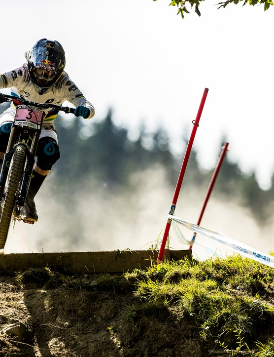 Rachel Atherton bounced back from the health problems that have plagued her all season to take the win in France. She'll be a force to be reckoned with at the World Champs