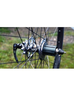 Anchoring the new American Classic Carbonator mountain bike wheels are the company's long-standing disc brake hubs - which are 11spd-compatible should you decide to use them on a newer cyclocross bike