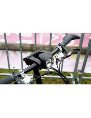 The front light on the Tern S27h is neatly integrated into the adjustable handlebar setup