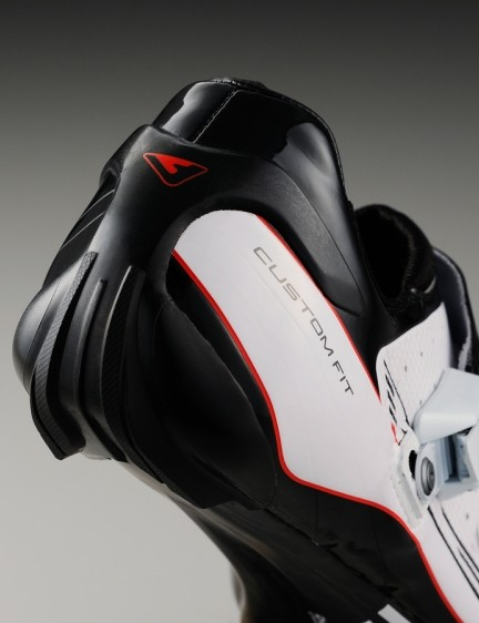 The new streamlined heel cup system looks aero and is said to provide additional support