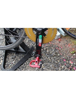 Zen Cranks pedal alters the geometry of the traditional pedal, requiring a bigger crank to stabilise the load