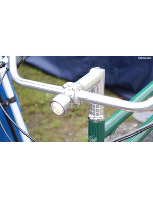 And a tidily integrated ligth at the front