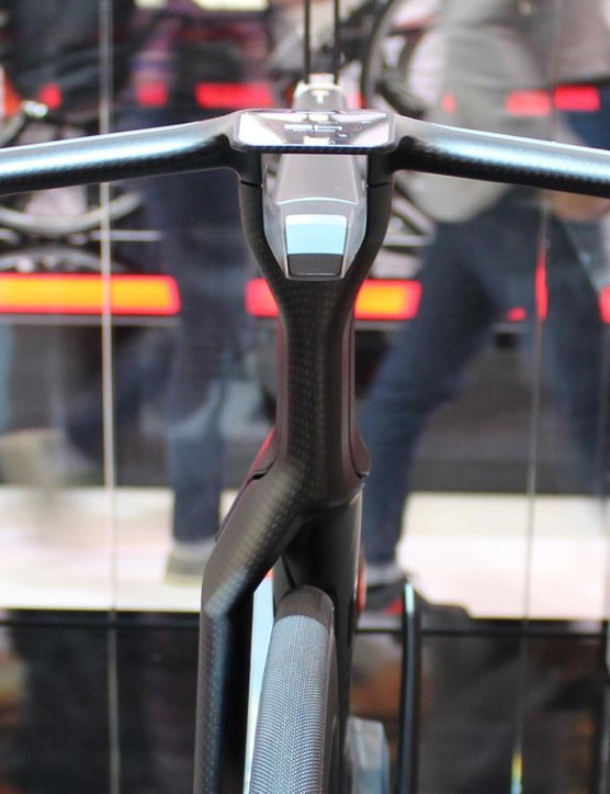 BMC simulations found the twin stem aerodynamically superior to the cockpit on the Timemachine TT bike