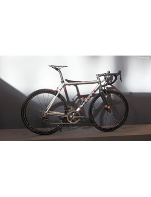 De Rosa still makes aluminium bikes, too. This scandium-enhanced aluminium model looks quite purposeful