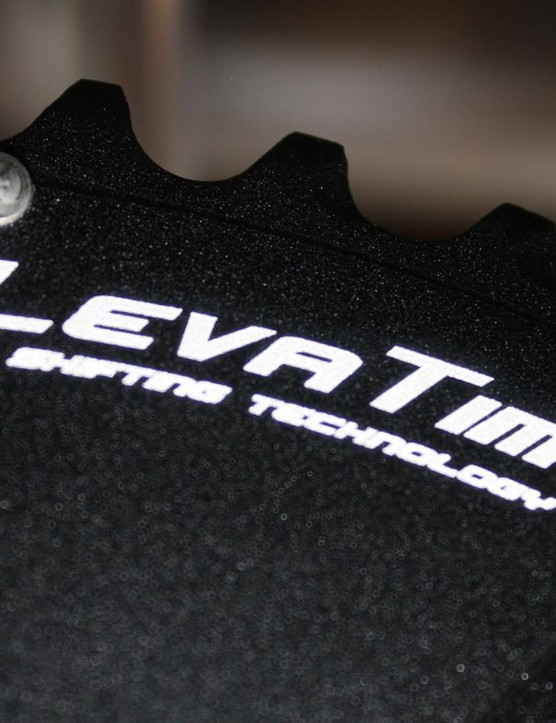 The quality Praxis Works LevaTime chainrings are included