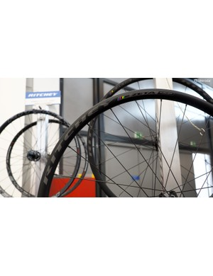 Ritchey's new WCS Zeta Disc brings disc brake compatibility to the road along with offset 20mm-wide (internal width) tubeless-compatible aluminium rims. Claimed weight is 1,560g for the pair and retail price is just US$800