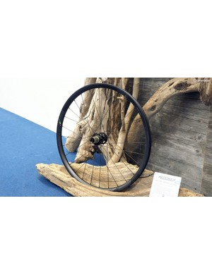 New for 2015 from Ritchey are the WCS Trail wheels, which have a 25mm-wide (internal width) tubeless aluminium rim, 15/20mm front thru-axle compatibility, and both 27.5 and 29in sizes. Claimed weight for the 27.5in version is 1,627g per pair and retail price is a very reasonable US$750