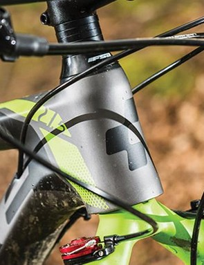 The short head tube makes it easy to tune the front end height to your preferences