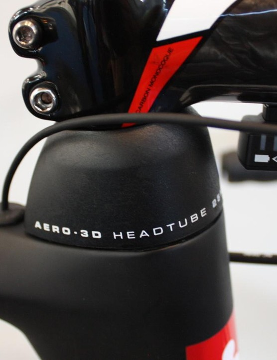 The new Aero 3D spacers give adjustability while maintaining head tube rigidity