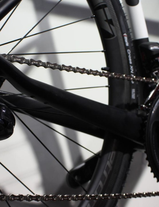 The Xroad features 32mm rubber and disc brakes