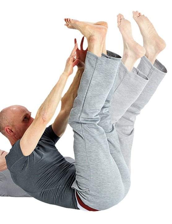 Jack-knifes beat ineffective sit-ups any day with this much more functional exercise