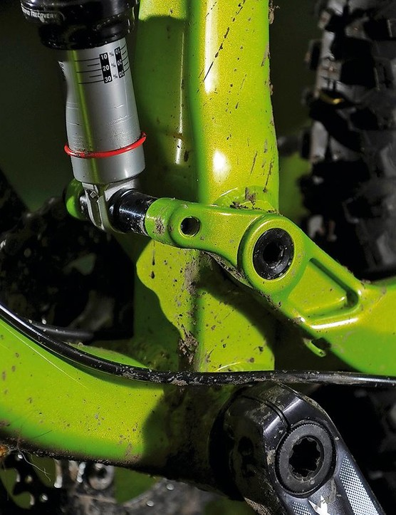 Single pivot suspension gives nuanced feedback under power