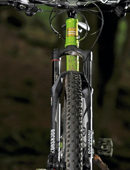 Plug a 140mm fork into the frame to reap extra aggro potential