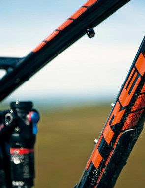 The 23.94 top tube is reasonably roomy, and works well with the 68-degree head angle
