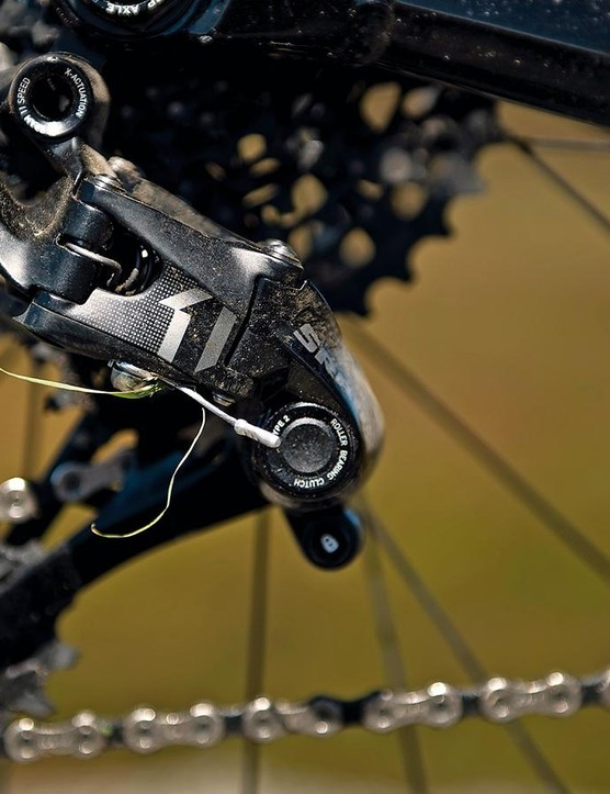SRAM's X1 1x11 transmission helps make the Fuel EX 9 worth the extra money over the EX 8