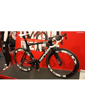 Cervelo is famous for putting amateur rider friendly tall front ends on its R5 and S3 race machines – even if it means some sponsored pros need to use drooped stems