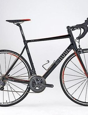 Rose's new Xeon Team GF 3100 sportive machine classically features a tall head tube, slackish head angle and slender, kinked seatstays for flexibility – though its moderate wheelbase length means that it still handles snappily