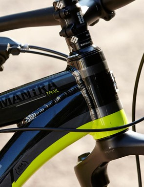 Saracen have equipped the Mantra with an X44 head tube, rendering it usefully future proof. As supplied, it's equipped with a semi-integrated headset and a straight-steerer fork